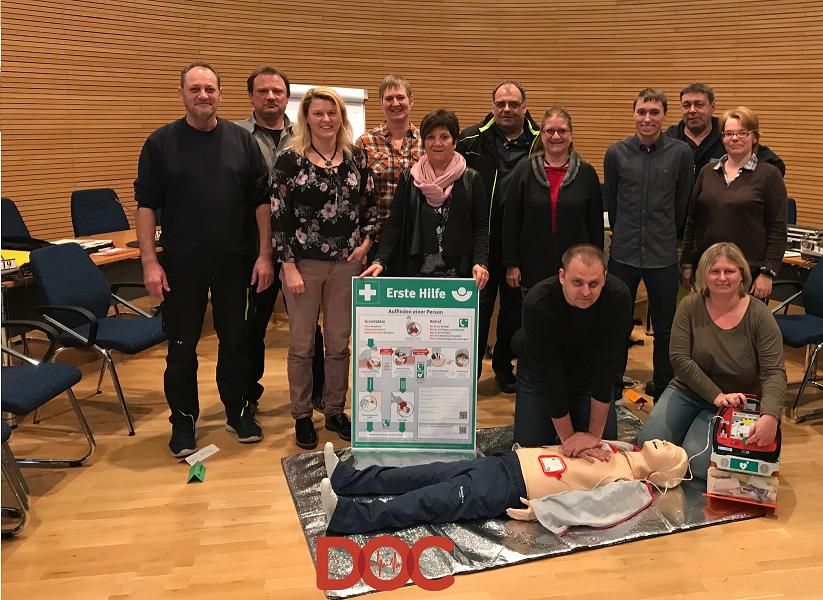 Gemeinde erhält DOC-Defibrillatoren und Schulung – Referenz